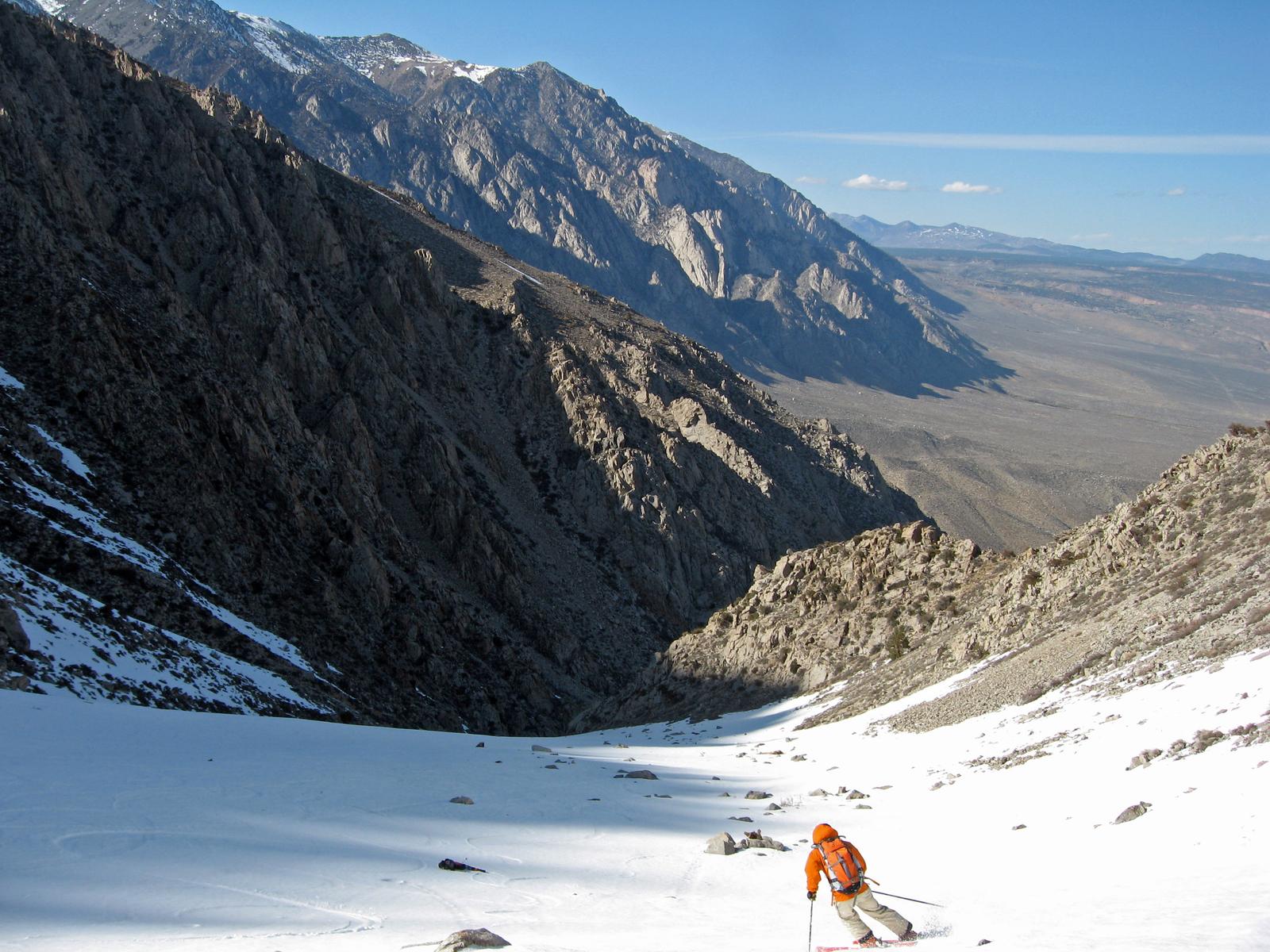 skiing Mount Tom, eastern Sierra, California